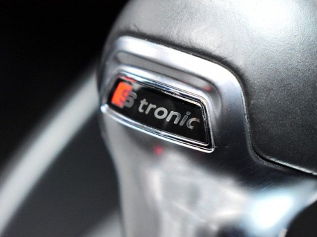 Audi S3 *PANROOF*VIRTUAL COCKPIT* 2.0 S3 TFSI QUATTRO BLACK EDITION 3d 306 BHP *PAN 16