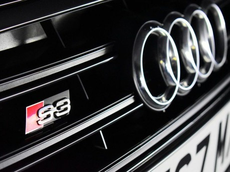 Audi S3 *PANROOF*VIRTUAL COCKPIT* 2.0 S3 TFSI QUATTRO BLACK EDITION 3d 306 BHP *PAN 31