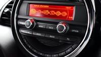 Mini Hatch 1.5 COOPER 5d 134 BHP DAB Radio - Bluetooth - AUX - USB 3