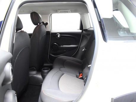 Mini Hatch 1.5 COOPER 5d 134 BHP DAB Radio - Bluetooth - AUX - USB 11