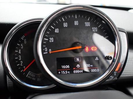 Mini Hatch 1.5 COOPER 5d 134 BHP DAB Radio - Bluetooth - AUX - USB 13