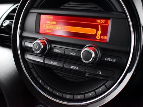 Mini Hatch 1.5 COOPER 5d 134 BHP DAB Radio - Bluetooth - AUX - USB 14