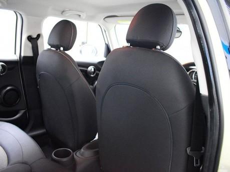 Mini Hatch 1.5 COOPER 5d 134 BHP DAB Radio - Bluetooth - AUX - USB 16