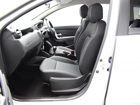 Dacia Duster 1.6 COMFORT SCE 5d 115 BHP Satnav - DAB Radio - Bluetooth 10