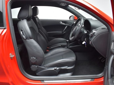 Audi A1 1.4 TFSI S LINE 3d 123 BHP Pearl Misano Red -Audi Drive Select 8
