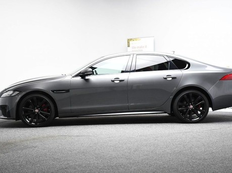 Jaguar XF RED & BLACK LEATHER 3.0 V6 S 4d 296 BHP ***SAT NAV-DAB-USB*** 7