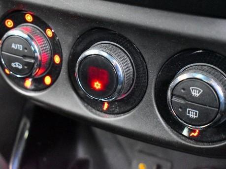 Vauxhall Adam *PANORAMIC ROOF*1.4 GLAM 3d 85 BHP ***PANORAMIC ROOF *** 16