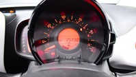 Peugeot 108 1.2 PURETECH ROLAND GARROS TOP 5d 82 BHP Bluetooth - Air Conditioning 14