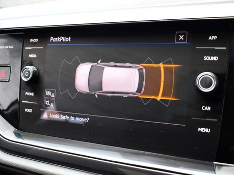 Volkswagen Polo 1.0 R-LINE TSI DSG 5d 114 BHP App-connect - Bluetooth - DAB Radio 3
