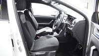 Volkswagen Polo 1.0 R-LINE TSI DSG 5d 114 BHP App-connect - Bluetooth - DAB Radio 7