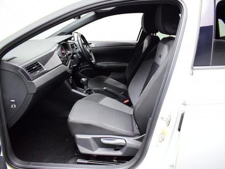 Volkswagen Polo 1.0 R-LINE TSI DSG 5d 114 BHP App-connect - Bluetooth - DAB Radio 9