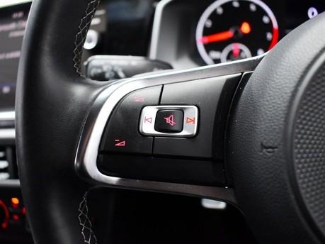 Volkswagen Polo 1.0 R-LINE TSI DSG 5d 114 BHP App-connect - Bluetooth - DAB Radio 15