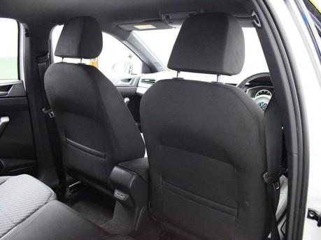 Volkswagen Polo 1.0 R-LINE TSI DSG 5d 114 BHP App-connect - Bluetooth - DAB Radio 17