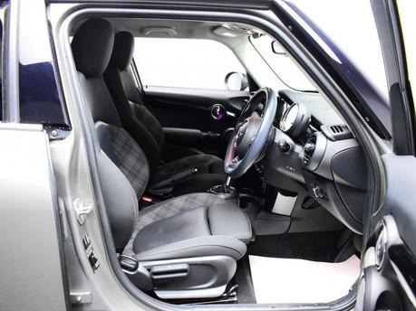 Mini Hatch 2.0 COOPER S 5d 189 BHP Radio Mini Visual Boost 9