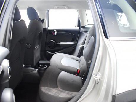 Mini Hatch 2.0 COOPER S 5d 189 BHP Radio Mini Visual Boost 12