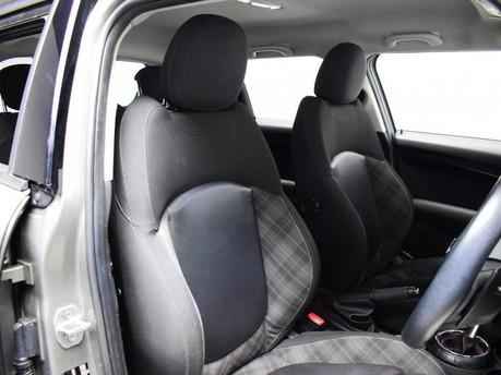 Mini Hatch 2.0 COOPER S 5d 189 BHP Radio Mini Visual Boost 20