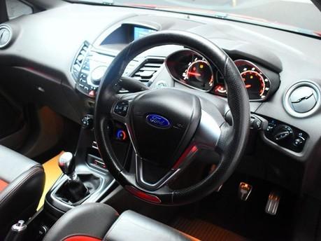 Ford Fiesta 1.6 ST-2 3d 180 BHP 6