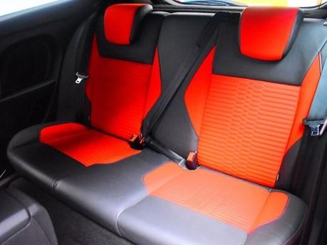 Ford Fiesta 1.6 ST-2 3d 180 BHP 10