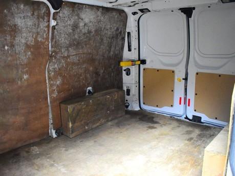 Ford Transit Custom 2.2 270 LR P/V 99 BHP Rear Bulkhead - Ply Lined 8