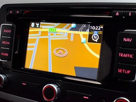 Volkswagen Scirocco 2.0 TDi BlueMotion Tech R-Line 3dr Satnav - Bluetooth - Air Con 3