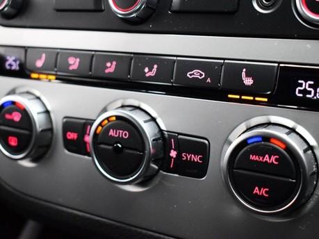 Volkswagen Scirocco 2.0 TDi BlueMotion Tech R-Line 3dr Satnav - Bluetooth - Air Con 15