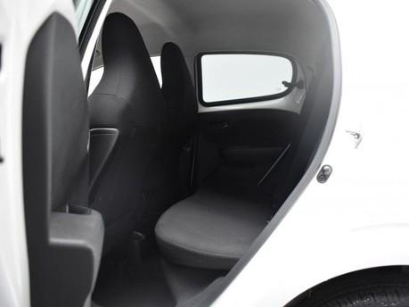 Peugeot 108 1.2 ALLURE 5d 82 BHP 11