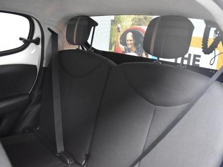 Peugeot 108 1.2 ALLURE 5d 82 BHP 12