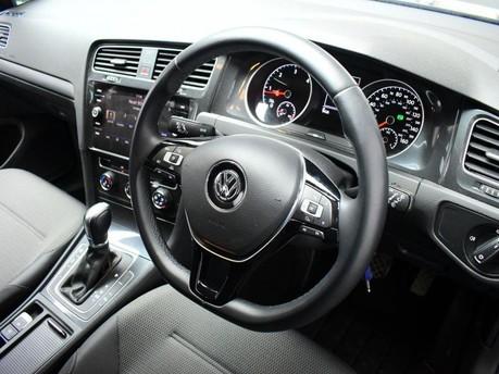 Volkswagen Golf 2.0 SE NAVIGATION TDI BLUEMOTION TECHNOLOGY DSG 5d 148 BHP ***SAT NAV-DAB-B 2