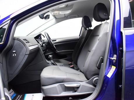 Volkswagen Golf 2.0 SE NAVIGATION TDI BLUEMOTION TECHNOLOGY DSG 5d 148 BHP ***SAT NAV-DAB-B 10