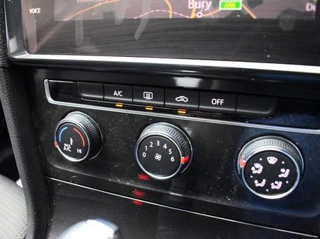 Volkswagen Golf 2.0 SE NAVIGATION TDI BLUEMOTION TECHNOLOGY DSG 5d 148 BHP ***SAT NAV-DAB-B 17