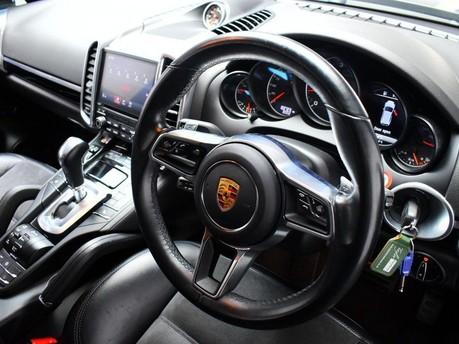 Porsche Cayenne 3.0 D V6 PLATINUM EDITION TIPTRONIC S 5d 258 BHP ***SAT NAV-DAB-BLUETOOTH** 2