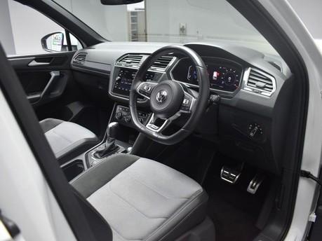 Volkswagen Tiguan 2.0 R-LINE TECH TDI 4MOTION DSG 5d 148 BHP *** PAN 2