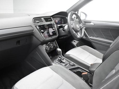 Volkswagen Tiguan 2.0 R-LINE TECH TDI 4MOTION DSG 5d 148 BHP *** PAN 12