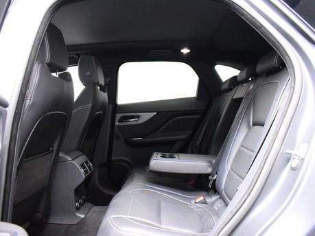 Jaguar F-Pace **PANORAMIC ROOF**3.0 V6 S AWD 5d 296 BHP ***PANORAMIC GLASS SUNROOF*** 9