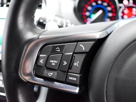 Jaguar F-Pace **PANORAMIC ROOF**3.0 V6 S AWD 5d 296 BHP ***PANORAMIC GLASS SUNROOF*** 16