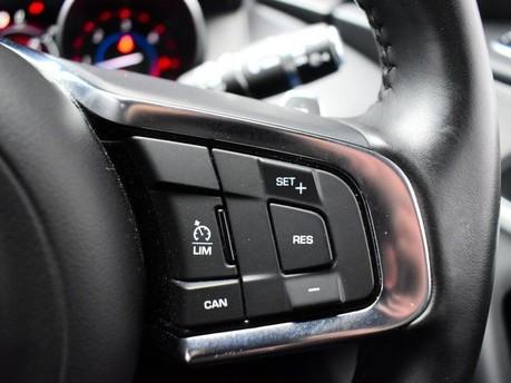 Jaguar F-Pace **PANORAMIC ROOF**3.0 V6 S AWD 5d 296 BHP ***PANORAMIC GLASS SUNROOF*** 17