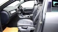 Volkswagen Touareg V6 R-LINE TDI BLUEMOTION TECHNOLOGY 10