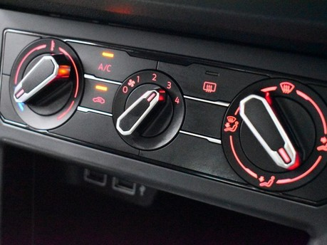 Volkswagen Polo SE TSI 16