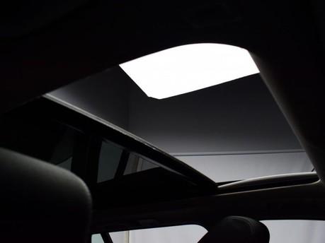 BMW 3 Series 318I SPORT TOURING 3