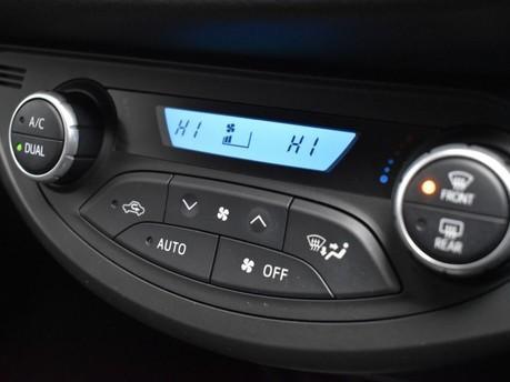 Toyota Yaris VVT-I DESIGN 16
