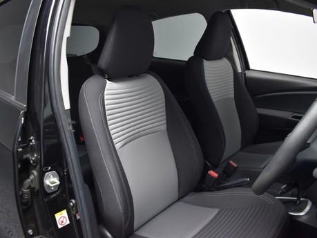 Toyota Yaris VVT-I DESIGN 20