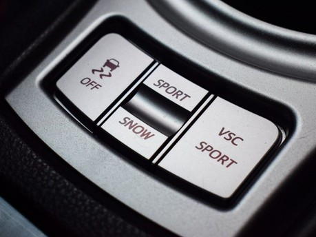 Toyota GT86 D-4S 16