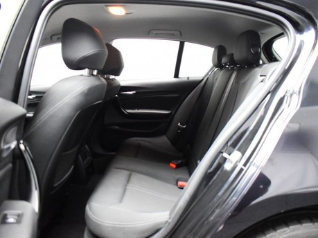 BMW 1 Series C 200 4MATIC AMG LINE PREMIUM 11