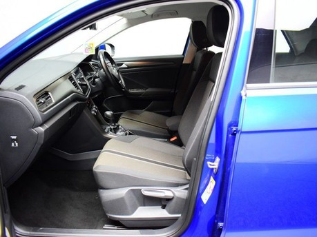 Volkswagen T-Roc SE TSI EVO DSG 10