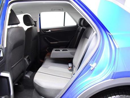 Volkswagen T-Roc SE TSI EVO DSG 11