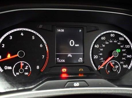 Volkswagen T-Roc SE TSI EVO DSG 13