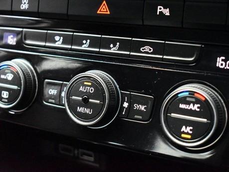 Volkswagen T-Roc SE TSI EVO DSG 15