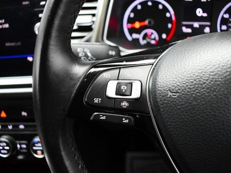 Volkswagen T-Roc SE TSI EVO DSG 16
