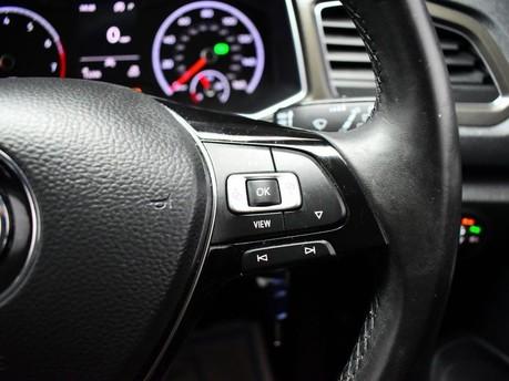 Volkswagen T-Roc SE TSI EVO DSG 17