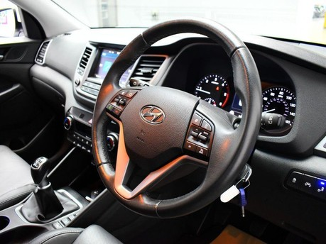 Hyundai Tucson 1.7 CRDI PREMIUM BLUE DRIVE 5d 114 BHP 2